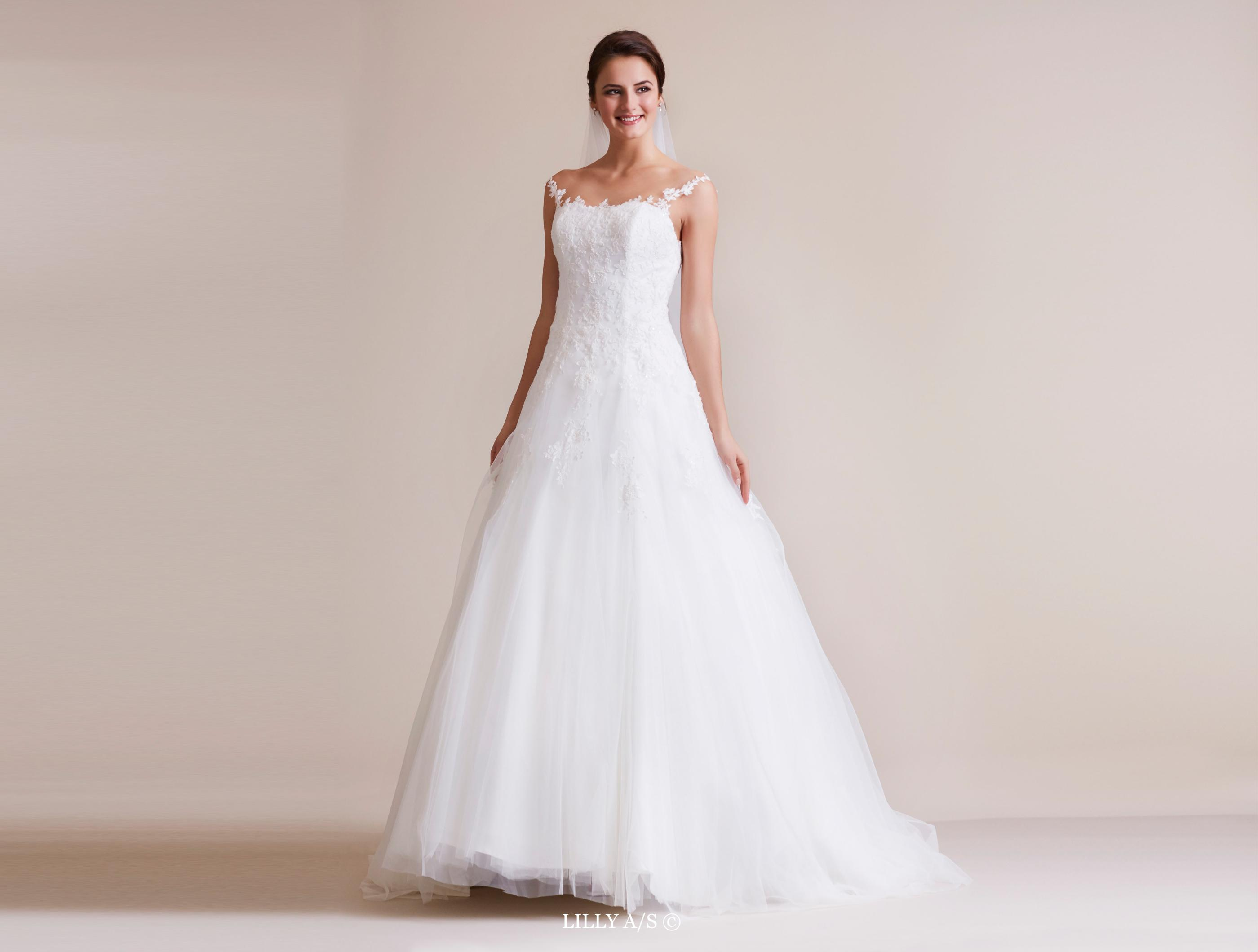 LILLY Bridalfashion - Weddingdresses and bridalgowns