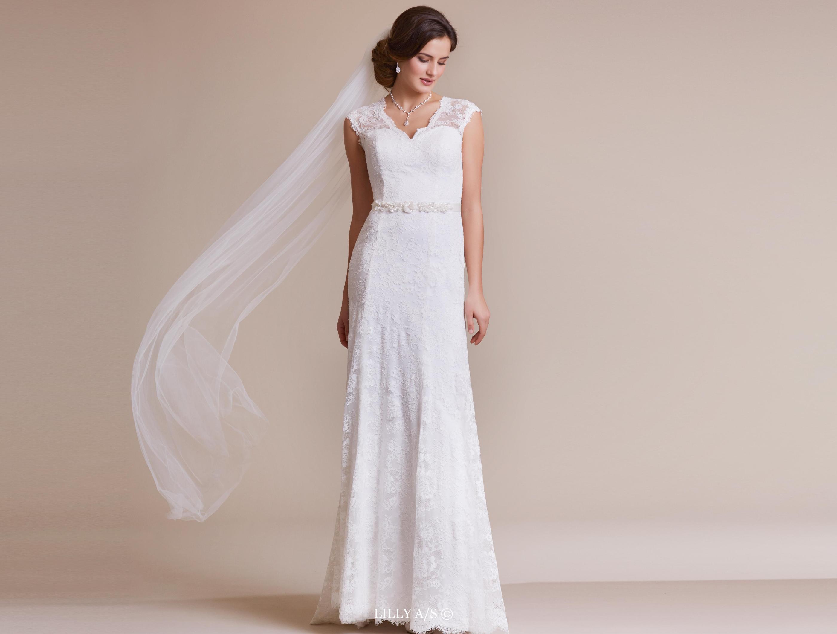 Weddingdress In Soft Stretchy Lace